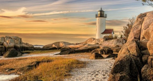 cropped-annisquam-lighthouse-horizontal-f-672x372
