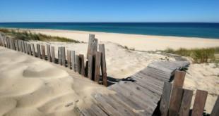 Sandy_Beach_1600x900-672x372