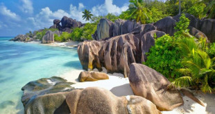 LaDigue_EN-CA1115245085_1366x768-672x372